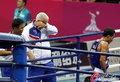 高清:泰国选手击败张家玮拳击夺冠 教练落泪