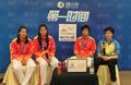 组图:女子手球冠军成员做客 金牌让我们流泪