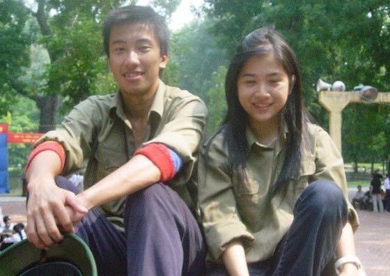 越南女大学生军训