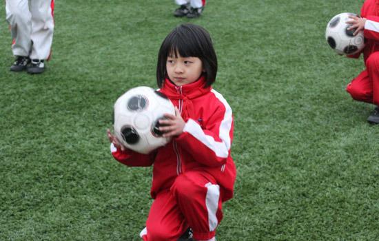 足球:盐城开发区小学创组图操实力颠球显同学小学大港天津最好的图片