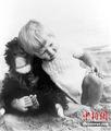 """""""黑猩猩母亲"""""""