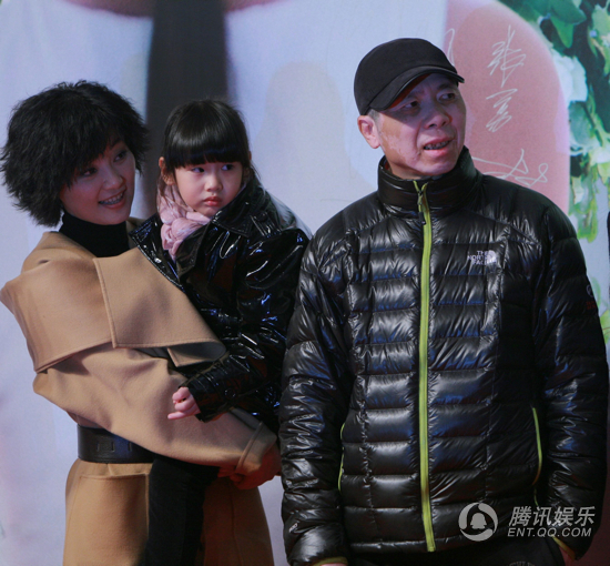 """冯小刚接受CNN专访谈事业 称养女是""""天使"""""""
