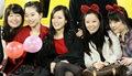 组图:韩国女球迷黑丝上阵 伊朗铁杆表情惊悚