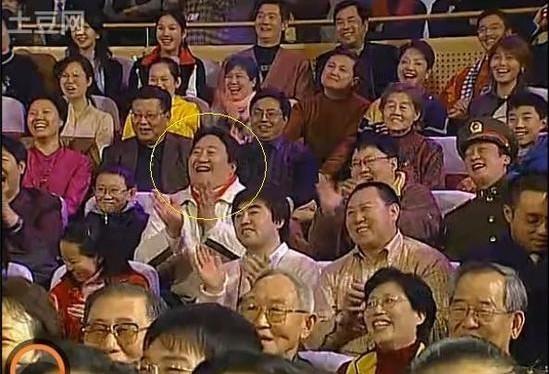 2003年春晚 19分31秒 冯巩作品