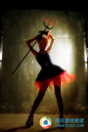 日本金发美少女可爱性感小恶魔cosplay