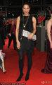 高清:柏林电影节闭幕红毯 安娜贝尔黑裙亮相