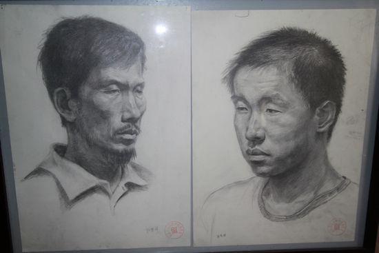 汉铁高中学生美术作品展 组图