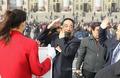 高清:政协十一届四次会议风中闭幕
