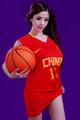 混血美女化身篮球宝贝