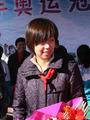 张怡宁骑单车宣传低碳