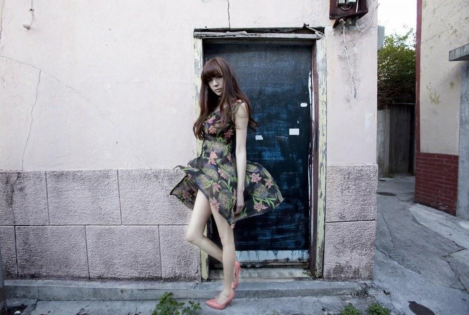 组图:嫩模周韦彤日本拍摄新写真 尺度再升级
