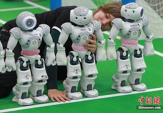 2011机器人世界杯足球赛 将在德国马格德堡开战
