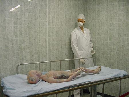 未决 披露解剖外星人尸体真相-真真假假的 外星人 事件