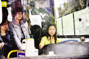 武汉723路公交女司机甜蜜与幸福的瑜伽生活