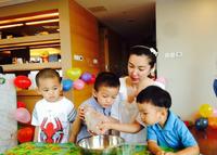 李冰冰邀任泉为外甥庆生 亲做蛋糕显温情 - 何记茶轩 - 何记茶轩