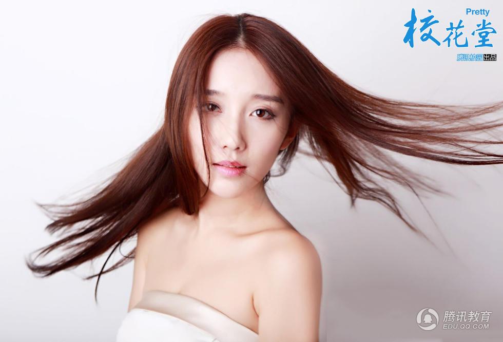 南京艺术学院江苏卫视的气象女主播安徽人陈梦瑶大家闺秀照走红