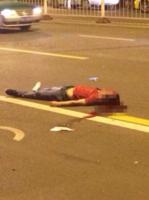 女子遭男友殴打跪求路人 两男劝架被撞一死一伤 - 何记茶轩 - 何记茶轩