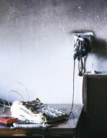 2014年8月7日江苏徐州一居民因收音机充电短路引发火灾  消防车通道被堵塞 无奈用盆接水灭火(网摘) - 阿忠 - 苏州阿忠安全博客