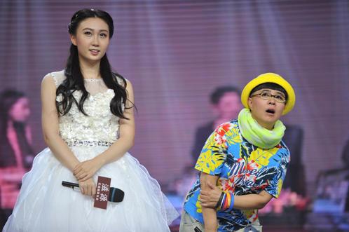 48岁金龟子丝毫不显老 常被15岁女儿叫姐姐(组图) - 新闻 - 加拿大华人网 - 加拿大华人门户网站