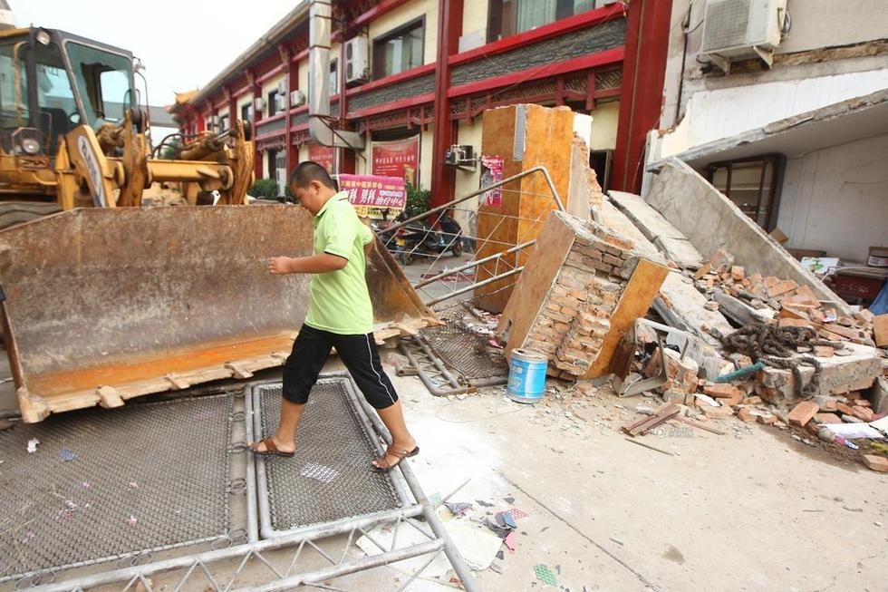 河南民办小学开学在即遇拆迁 1年搬3次