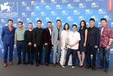 《黄金时代》闭幕威尼斯电影节 全体亮相记者会