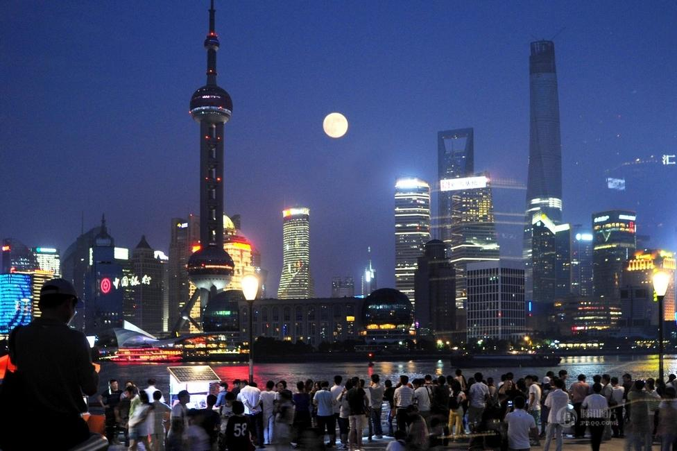 【引用】高清:中秋节迎8年来最大月亮 - 老老学生 - 老老学生  欢迎朋友们光临!
