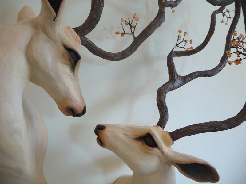 雕塑作品:优雅的动物标本