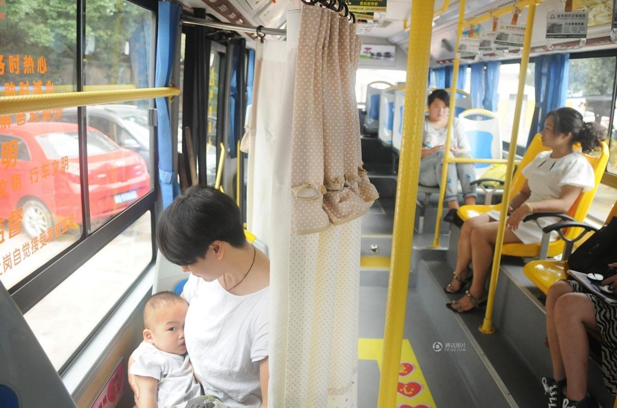 浙江金华公交车设 哺乳专座 获赞很人性化