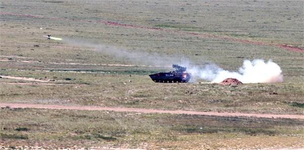 红箭10光纤导弹曝光 10公里外精确斩首