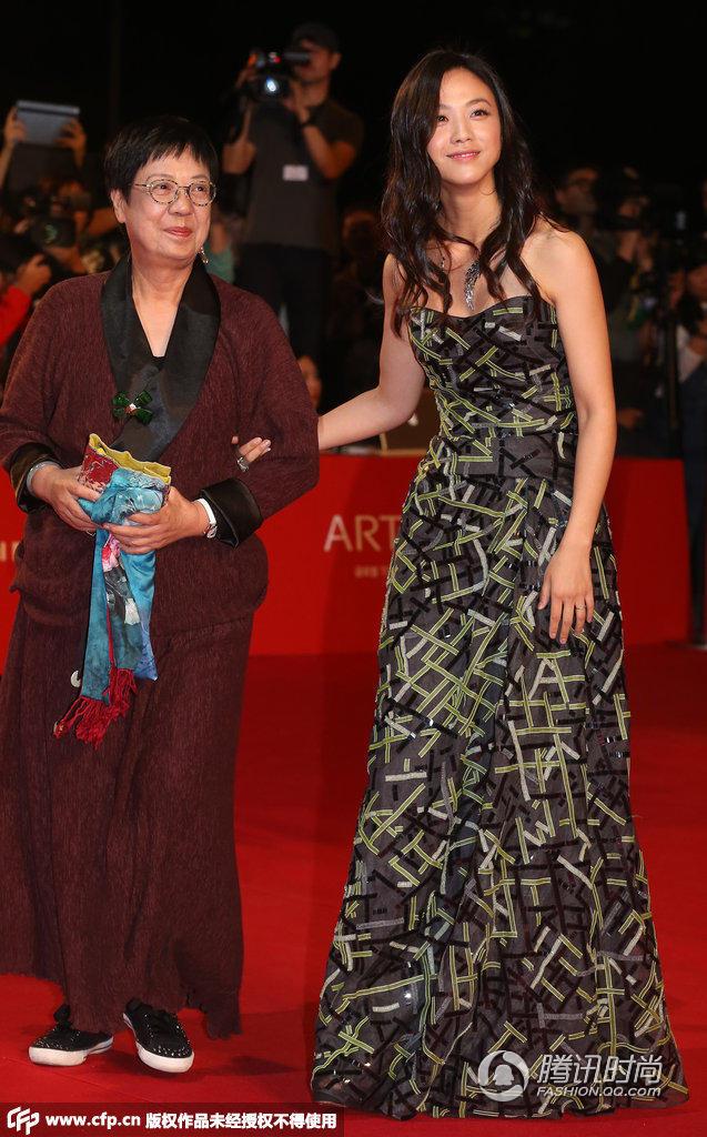 釜山电影节女星们为啥都这么拼 - 青山绿水 - 中国好声音
