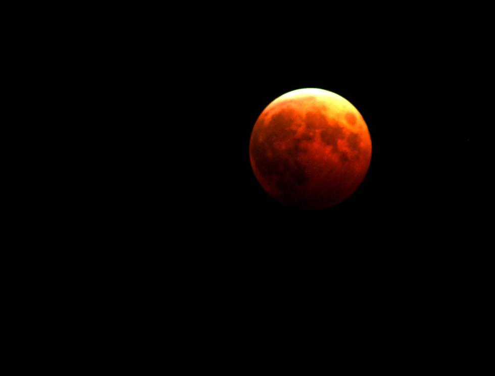 """月全食来袭 """"红月亮""""亮相天际 - 嵯峨山人朝鸣 - 嵯峨山人朝鸣的博客"""