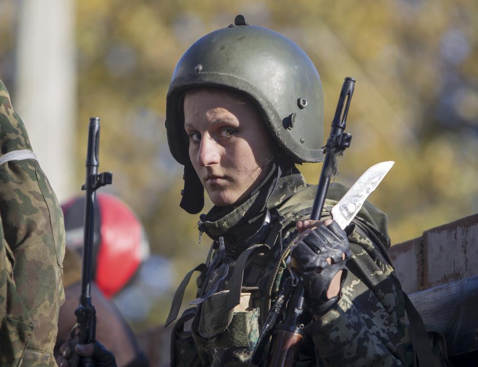 镜头聚焦乌克兰战场上的女兵2014.10.11 - fpdlgswmx - fpdlgswmx的博客