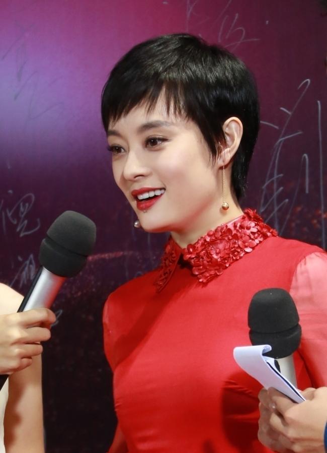 孙俪/辣妈孙俪双料视后闪耀金鹰十年 红色长裙惊艳