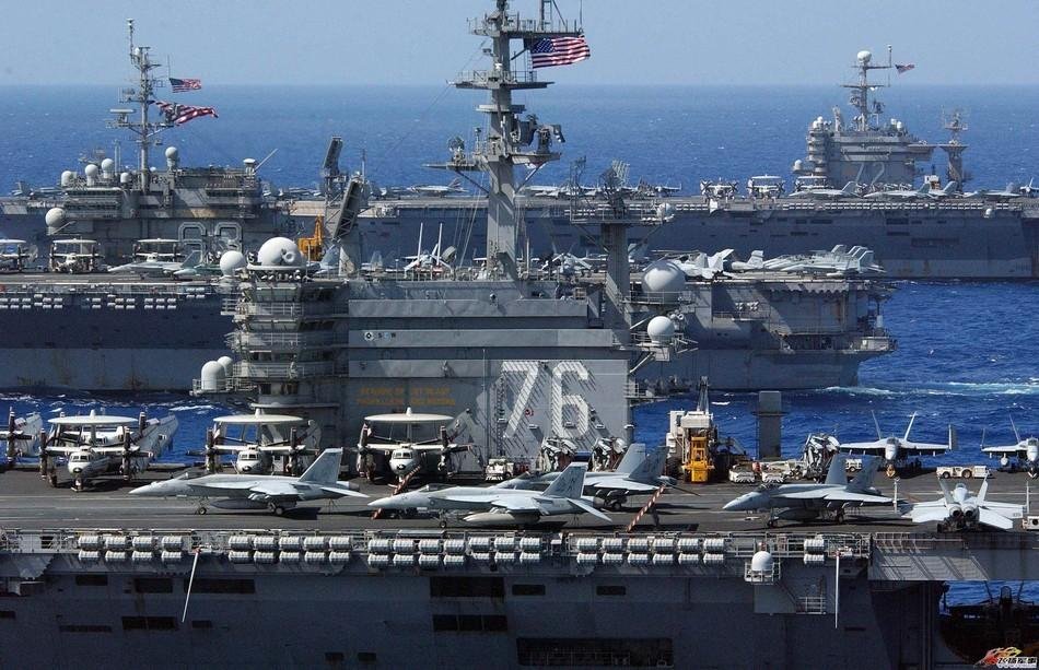 美国航母群