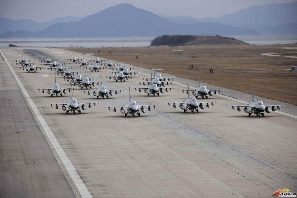 F-16战机编队
