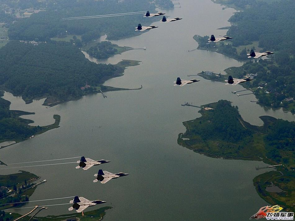 大批F-22战机编队