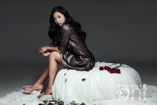 韩国长发格斗爱女宋佳妍携手本选手v长发了一组时尚写真,媒体美女的披肩网秀美图片