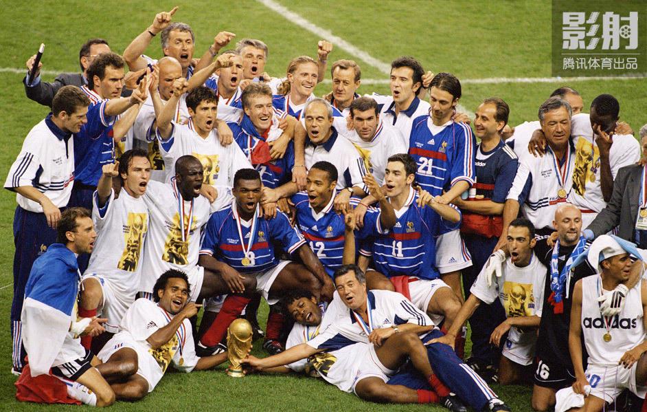 法国国家队在本土举办的世界杯上夺得冠军.3-0完胜巴西,更是宣告