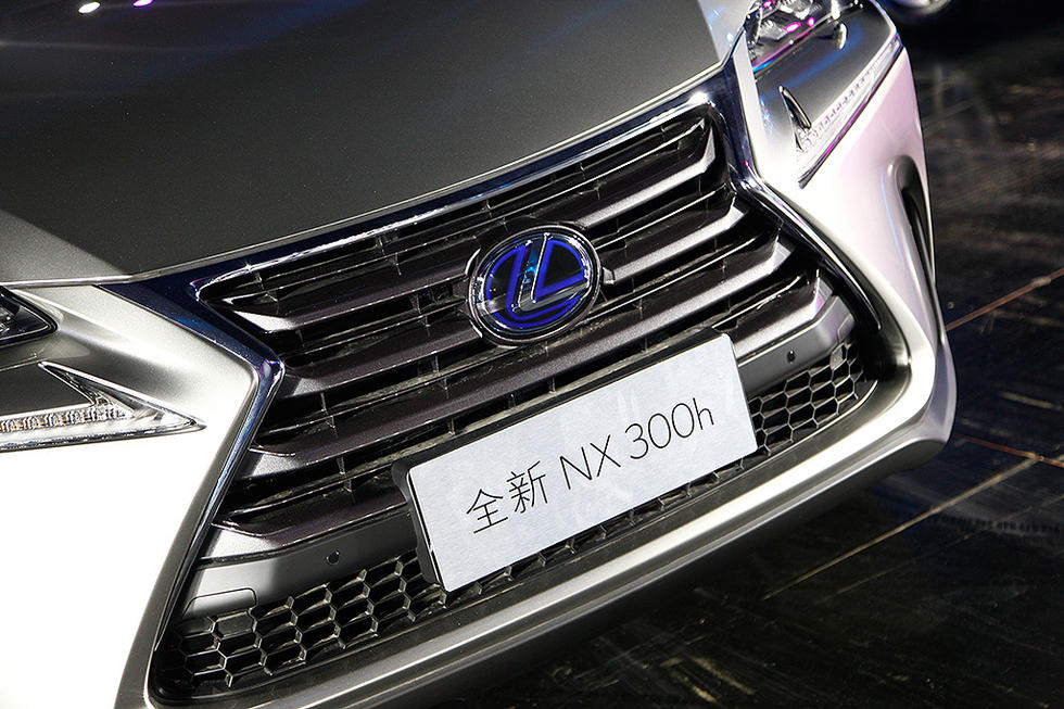 雷克萨斯全新NX于今晚正式上市,新车售价31.8—59.9万元,将推出