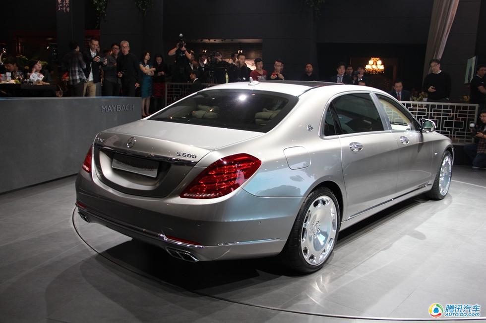 作为奔驰旗下的全新子品牌,梅赛德斯-迈巴赫首款推出的车型?-梅赛