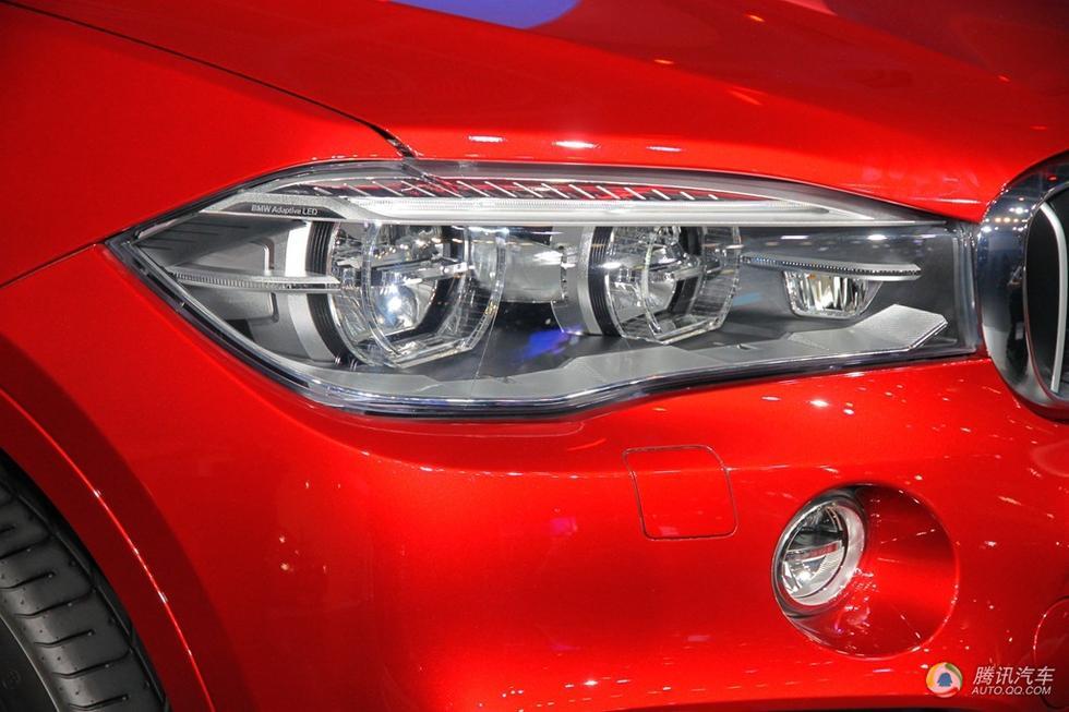 全led大灯提供了绝佳的照明效果,而且很节能,与中网直接相高清图片