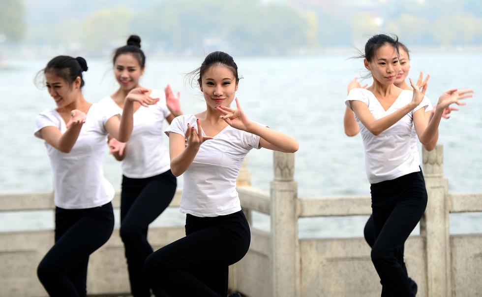 济南大四女生自拍形象宣传片2014.11.25 - fpdlgswmx - fpdlgswmx的博客