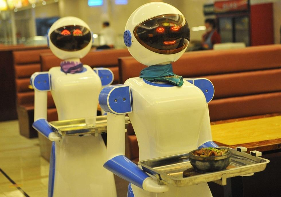 慈溪一餐厅服务员 竟是机器人