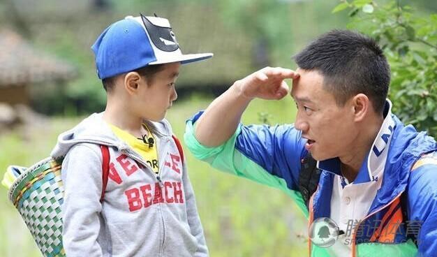 7、杨威(体操)所上节目:《爸爸去哪儿》杨威和李小鹏同为退役
