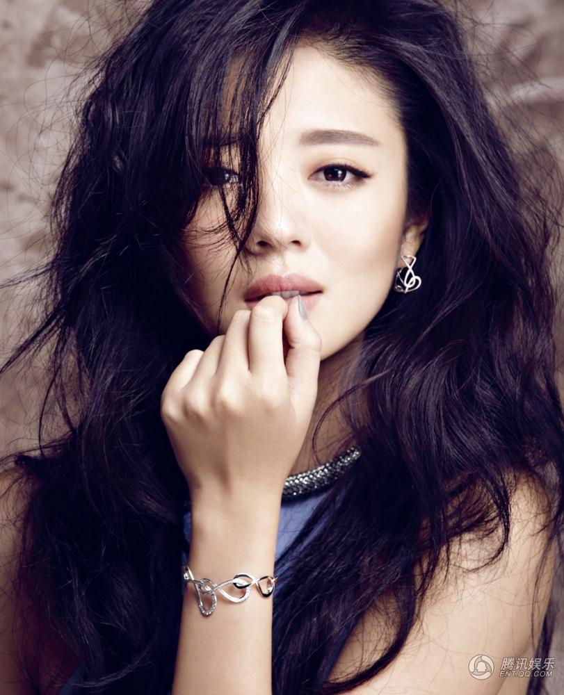 最火的演员_比新垣结衣还要火,她拿下了2017上半年最火女演员TOP1