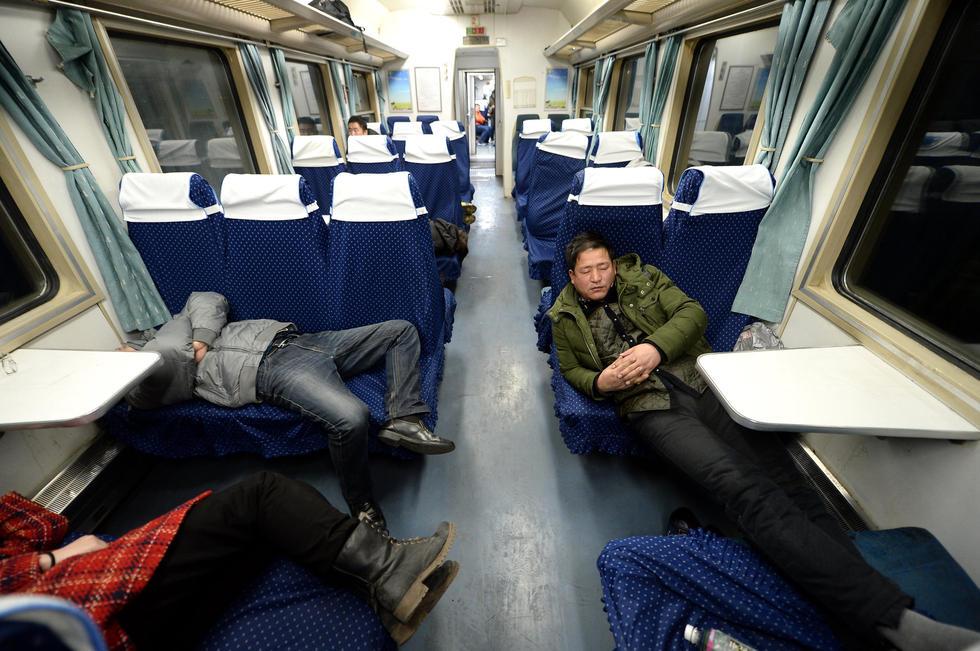 高铁抢走K字头空调车客流 硬座车厢遇冷
