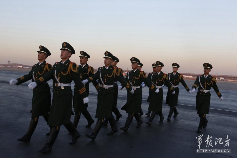 揭秘中国元首专机警卫 冬不穿棉2015.2.12 - fpdlgswmx - fpdlgswmx的博客