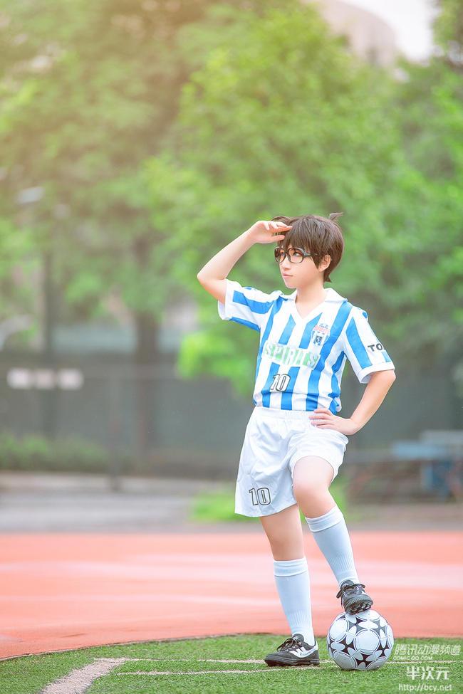 VOL.《名侦探柯南》江户川柯南球服版COS - 樱田优姬 - 二次元会馆