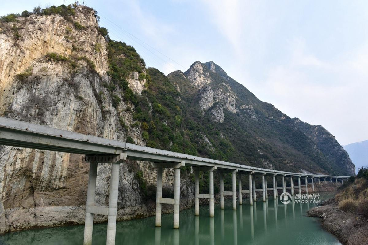湖北为避免开山毁林修水上公路 总投资4.4亿 - 海阔山遥 - .