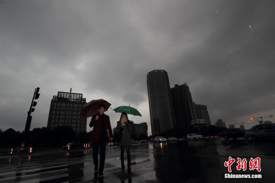 我国中东部迎大范围雨雪 广西已入夏2015.2.28 - fpdlgswmx - fpdlgswmx的博客